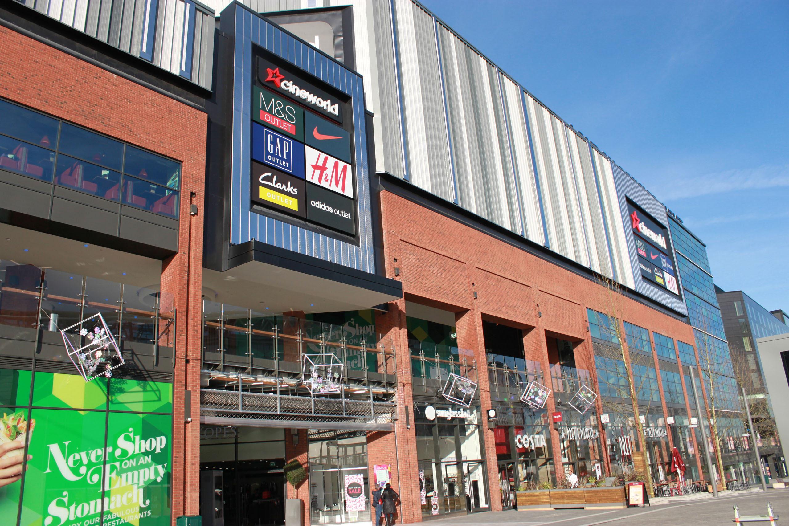 Wembley designer outlet dearneside fabrications for Outlet design